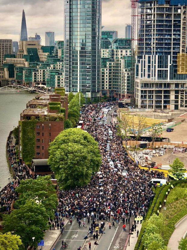 विभेदविरुद्धको आन्दोलन विश्वमा फैलिँदै : अमेरिका, युके र अस्ट्रेलियामा ठूला प्रदर्शन
