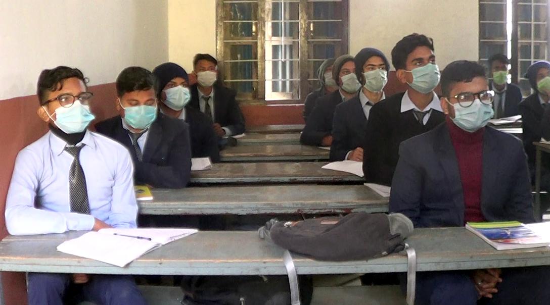नौ महिनापछि स्कूल खुल्दा आधा मात्र विद्यार्थी उपस्थित