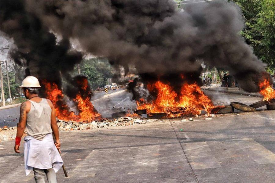 बर्मामा बर्बर दमन, एकै दिन ३८ जना मारिए